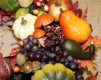 CORNUCOPIA HARVEST WREATH