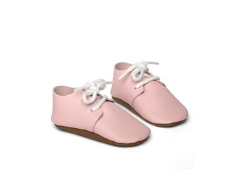 Baby shoe -leather baby shoes - handmade - pink - bebe shoes - crib shoes - newborn shoes - baby shower gift-newborn shoes