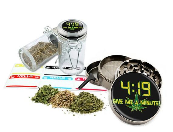 "Give Me A Minute - 2.5"" Zinc Alloy Grinder & 75ml Locking Top Glass Jar Combo Gift Set Item # G50-8715-10"