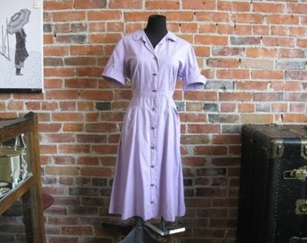 Vintage 50s Lavendar Cotton Shirt Waist Dress // 1950s Short Sleeve Button Front Day Dress // 40s House Dress // Rockabilly // Size M-L