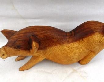 Pig wood carving (#pghlfcrz8)