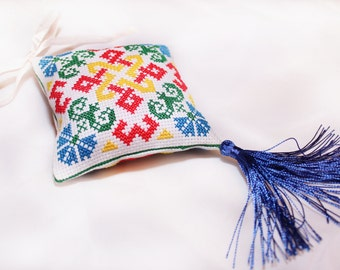 "Cross Stitch/Embroidery/multi-colored/Pillow/cushion for pins/pad small Pincushion-pincushion ""Home ward"""