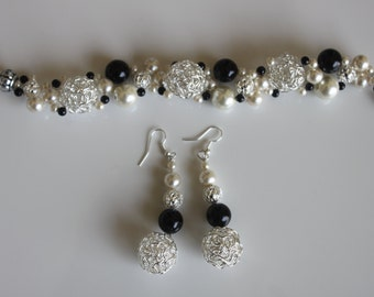 Black And White Pearls Earring and Bracelet,Black And Ivory Pearls  Earing and Bracelet ,Pearls And Silver Squish Earing and Bracelet