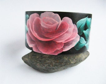 Hand-painted wood bracelet FLOWERS beautiful BLACK green and red Ecological