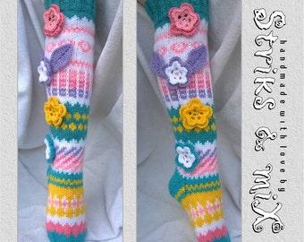 Knit socks with flower, knit socks, knee socks, house socks, woman knit socks, strickade strumpor med blommor, gestrickte socken mit blumen