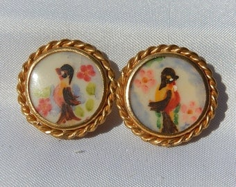 Old pair of hand painted earring 1950