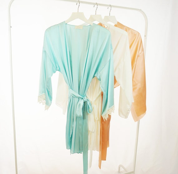 Bridal Robe To Get Ready In: Bridal Silk Robes For Getting Ready / By ALittleSewingRoom