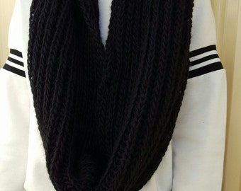 Knitted Circular Scarf / Infinity Scarf --Black