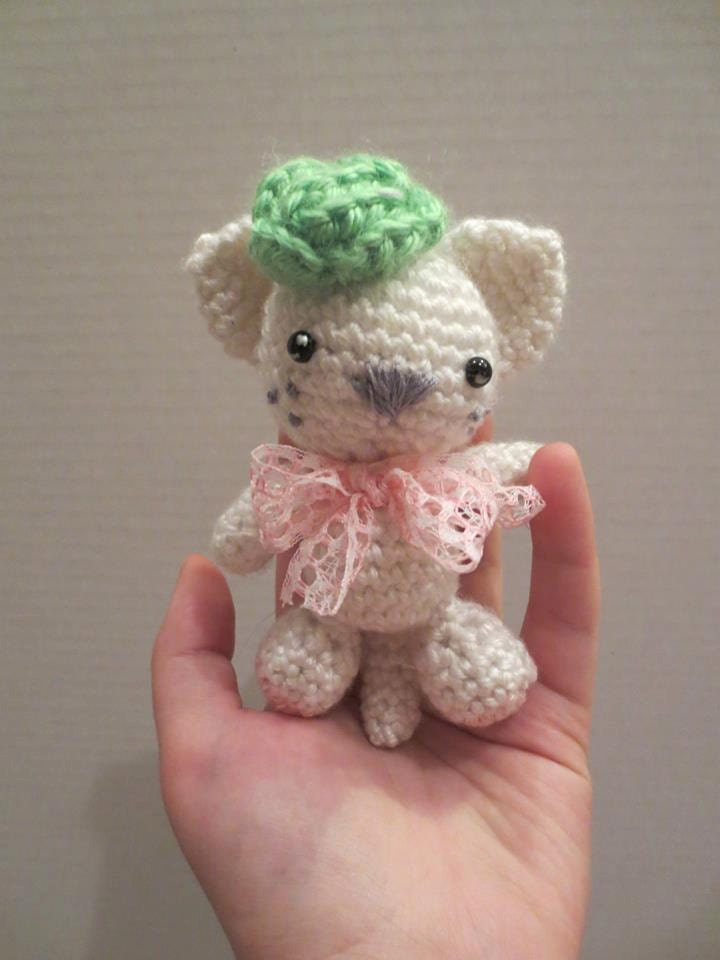 Tiny teacup kawaii crochet amigurumi kitty