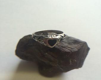 Onyx heart ring