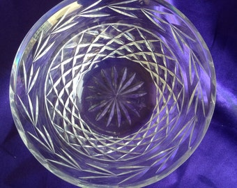 Beautifully cut crystal 5 inch dia. bowl