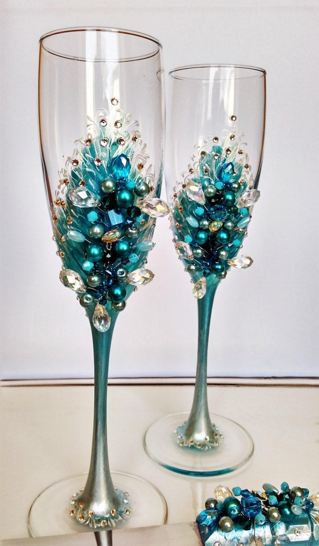 Wedding champagne flutes blue pearl wedding by for Wedding champagne flutes