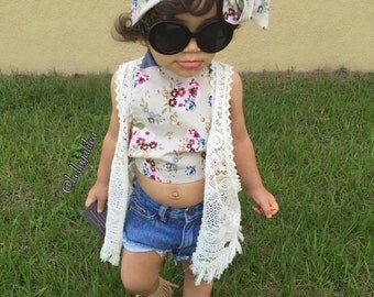 Floral crop top outfit