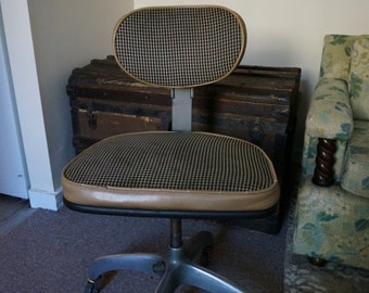 Mid-Century Modern Houndstooth Swivel Office Chair