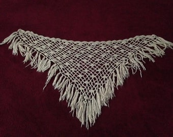 Easy breezy vintage-chic knit shawl