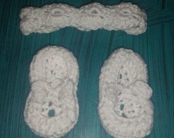 Baby bow slippers and headband set