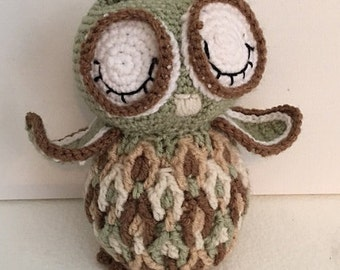 Beautiful crocheted, stuffed Owl - Made to order