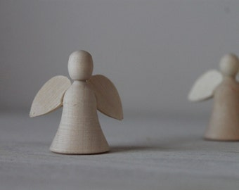 "1,18"" (3cm) Wooden Christmas angel"