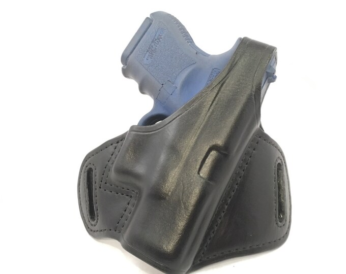 Glock 26 / 27 / 33 / 39 with retention strap - Handcrafted Leather Pistol Holster