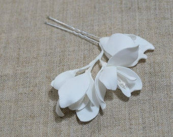 Wedding Hair Pin, White Floral Hair Piece, Bridal headpiece with flower, Bridal Hair Pin, Wedding Flower Pins, Wedding Hair Accessories