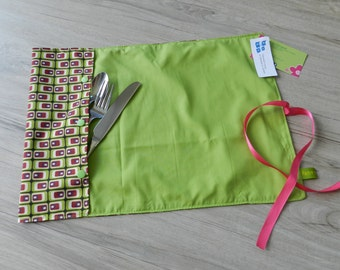 Doily with pouch for utensils, lunch, utensil, placemat, pink, green placemat doily