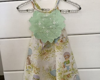 Darling Dress in Holly Hobby. Size 2
