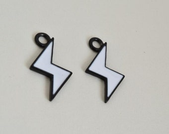 black white lightning bolt  charms thunder charm pendant pendants  (TT02)