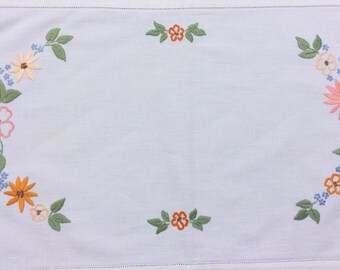 Pretty Vintage embroidered place mat /tea tray / small tablecloth: perfect for serving tea in style