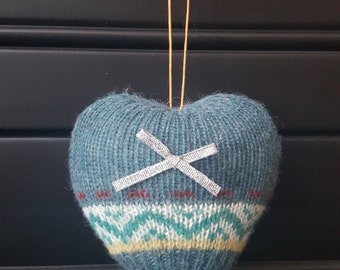 "Beautiful Small Blue Fair-Isle Keepsake Scented Heart With Silver Bow 4"" X 4.5"""