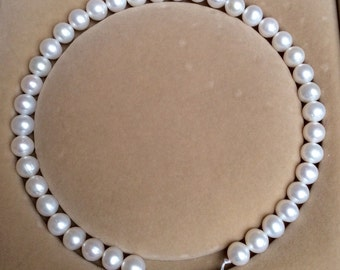 16-inch 11.0mm white freshwater pearl necklace strand