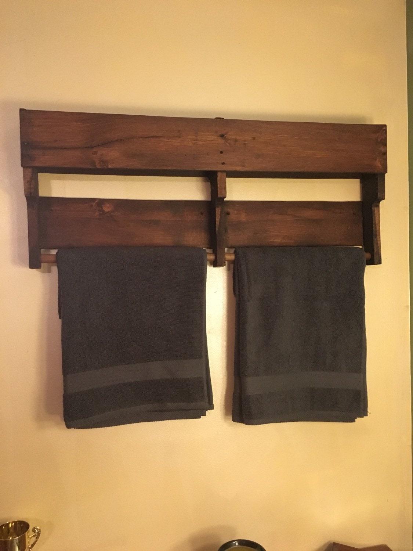 pallet towel rack by skidrowpalletdecor on etsy. Black Bedroom Furniture Sets. Home Design Ideas