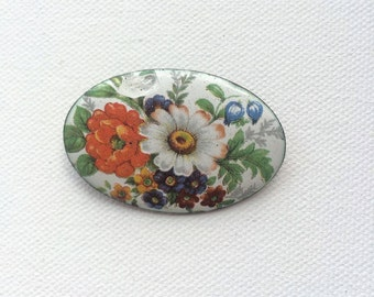 Floral oval brooch