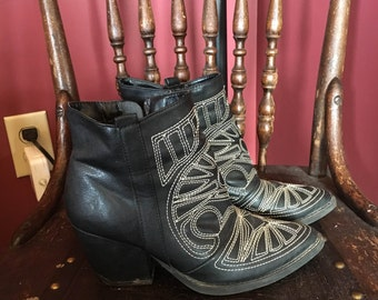 Western style ankle boots - women's size 6.5-7