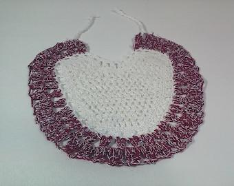 Bib newborn unisex heart-shaped made of crocheted
