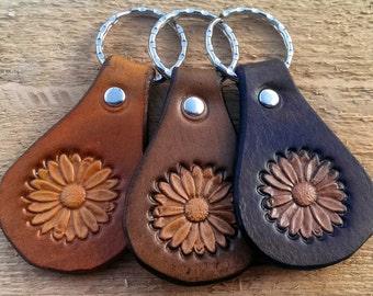 Leather keychain - DAISY, Flower, Leather key fob, Leather keyfob, Keychain, Keyfob, Keyring