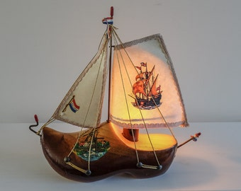 Funny 1960s Dutch Wooden Shoe Boat Lamp - Kitch Lamp made in Holland