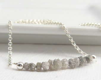 Delicate diamonds necklace with 925 sterling silver