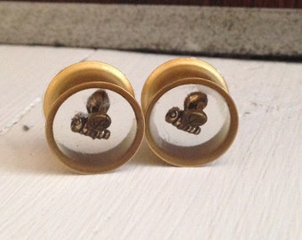 "The Bee Charmer Round Gold Tunnel Gauges for gauged ears: 9/16"" (14), 5/8"" (16)"