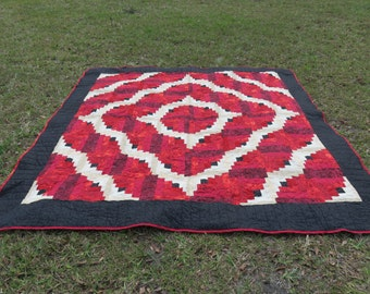 King Size Quilt Log Cabin Pattern in Red & Cream
