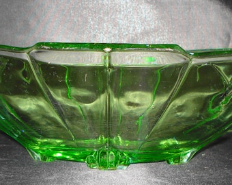 Art Deco clear Green Glass Serving Dish/fruit bowl