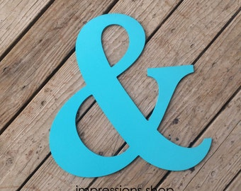 Light turquoise ampersand