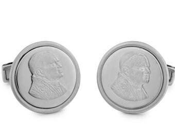 Silver 925 cufflinks featuring the portrait of pope John Paul II, round shape