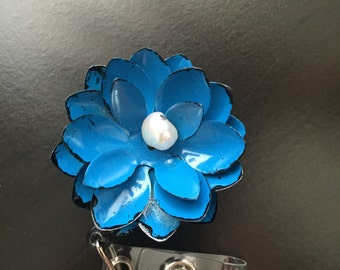 Metal Flower Badge Reel