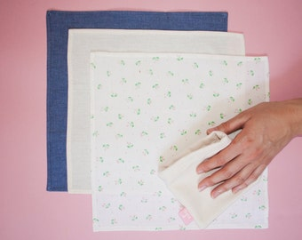 3 handkerchiefs with carrying pouch
