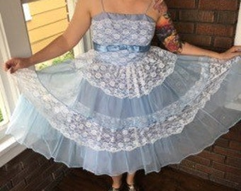Retro Vintage Baby Blue and White Lace Prom Dress