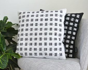Cushion PETER - White & Kaki