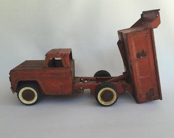Structo Vintage Truck   Metal Dump Truck   Red Truck   Vintage Truck   Collectable Toy Truck   SeekRetro