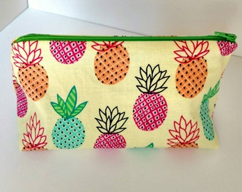 Pineapple Makeup Bag, Pineapple Bag, Tropical Makeup Bag, Pineapple Zipper Pouch, Bridesmaid Gift, Baby Shower Gift