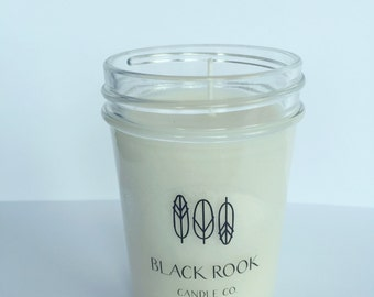 8oz Scented Soy Candle in Sippin' Poolside