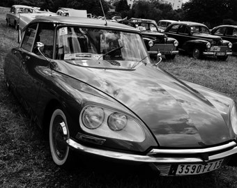 Want to travel... Citroen DS...